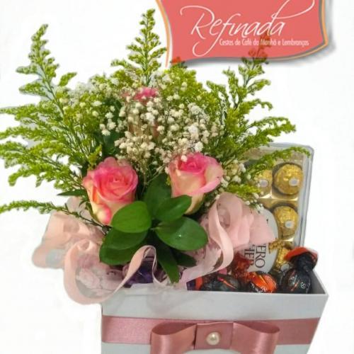 Caixa Rosas e Chocolate R$ 189,00